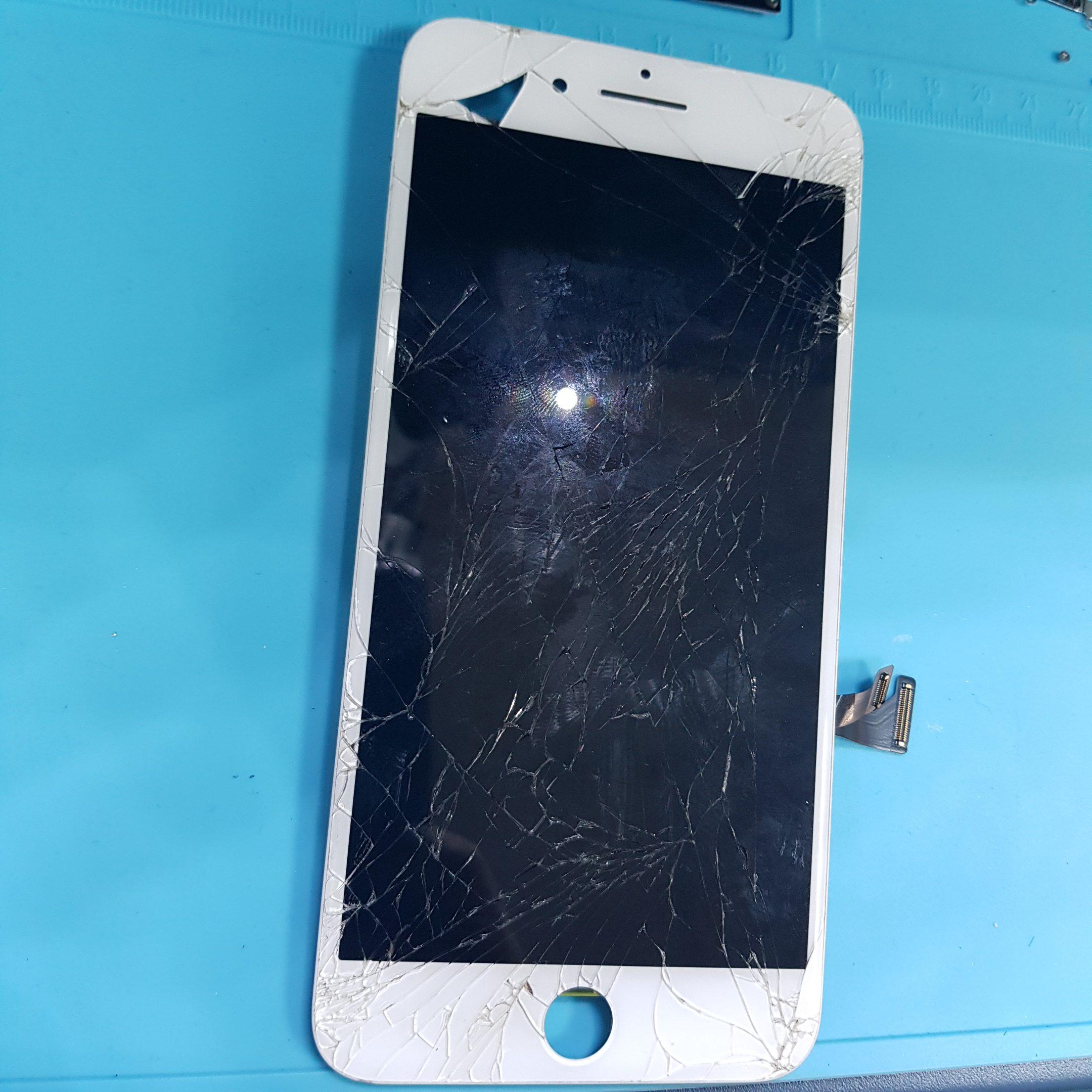inlocuire geam la ecranul de iphone 7 plus