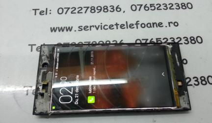 Xiaomi Mi 3 schimbat touchscreen.